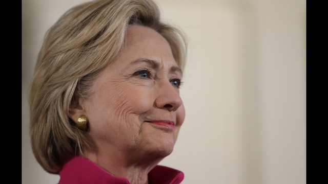 Opinion poll shows gains for Hillary Clinton in U.S. presidential race