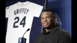 Mariners welcome back Griffey, retiring No. 24 on all levels