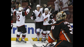 Ducks beat Coyotes 5-2 for 6th straight win