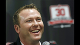 Martin Brodeur has his No. 30 jersey retired by Devils