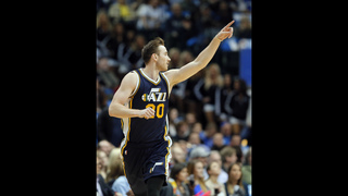 Hayward lifts Jazz over Mavs 121-119 in OT for 7th straight