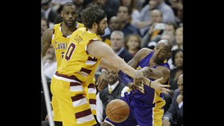 Love injured as Cavs down Kobe, Lakers 120-111