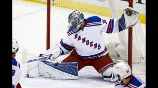 Lundqvist stops 34 shots, Rangers blank Penguins 3-0