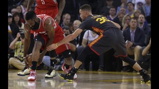 Curry leads Warriors past Rockets for 42nd straight home win