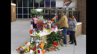 Thunder hold moment of silence for assistant Williams