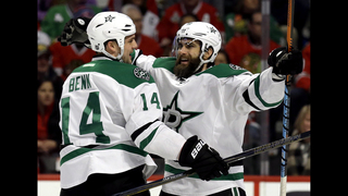 Eaves gets natural hat trick and Stars beat Blackhawks 4-2
