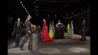 New York Fashion Week: Siriano goes for knits