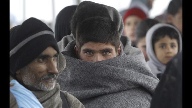 Europe reaches pact to send new migrants back to Turkey