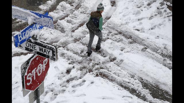 Snow storm shuts down Denver's airport