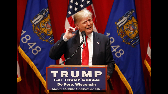 Donald Trump defends his campaign manager at Wisconsin campaign stop
