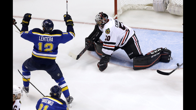 Brouwer places the Blues on the top, Blackhawks are out