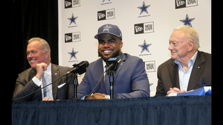 Dressed for success: Elliott wears Cowboys blue at intro