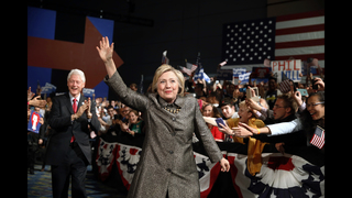 White House 2016: Clinton gears up for Trump in fall race