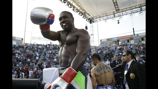 Andre Berto stops Victor Ortiz in 4th round, avenging loss