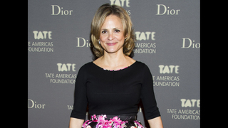 Amy Sedaris hosts Super 8 motel art giveaway at NY gallery