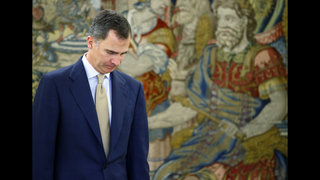 Spain king signs decree for unprecedented new elections