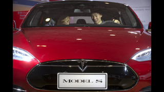 Tesla Motors brushes off 1Q net loss, accelerates plans