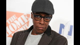 Arsenio Hall sues Sinead O