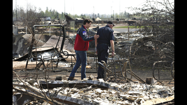 Fort McMurray wildfire: Justin Trudeau to get first-hand look at devastation