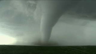Homes damaged but small town spared after Kansas tornado