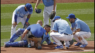 Royals catcher Perez out 7 to 10 days with thigh bruise