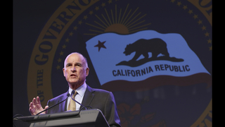 Clinton scores prized endorsement from Gov. Jerry Brown