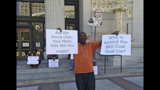 Oakland votes to ban coal shipments, citing health risks