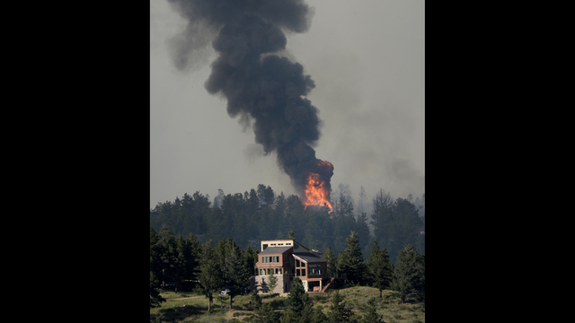 Wildfire burns several homes in Boulder County, Colorado