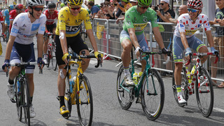 Froome drinks beer _ not Champagne _ in final stage of Tour
