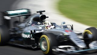 Hamilton wins Hungarian GP to take overall lead from Rosberg