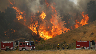 Hot, hard days ahead for firefighters on California blaze