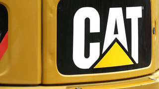 Caterpillar beats Street 2Q forecasts