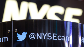Twitter still struggling to grow as rivals race ahead