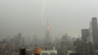 Video captures lightning bolt striking Empire State Building