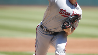 Strasburg wins 14th as Nationals down Indians 4-1