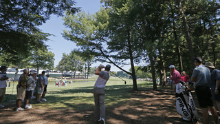 Jimmy Walker opens with 65 at stifling PGA; Johnson stumbles