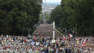 The Latest: Vatican says 500,000 see pope at Poland rally