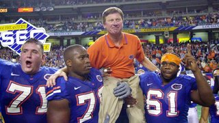 Manning, Spurrier enter College Football Hall of Fame