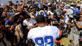 Big crowd greets Rams for 1st camp practice in LA return
