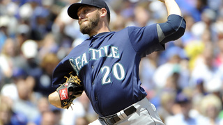 Orioles acquire LHP Miley from Mariners