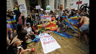 The Latest: Lawyer: All mayors must follow burkini ruling