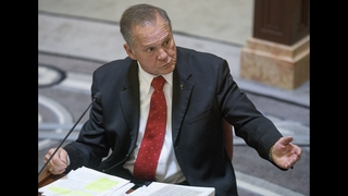 Alabama chief justice waits for judgment day on keeping job