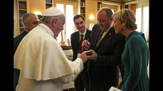 Orthodox delegation stays away from pope
