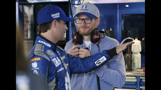 Earnhardt returns to Dover to support Hendrick teammates