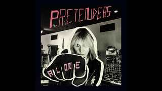 Review: Chrissie Hynde revives Pretenders on soulful