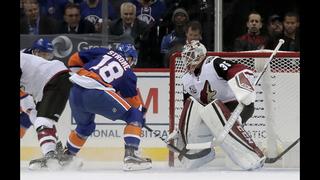 Boychuk scores short-handed in 3rd, Islanders beat Coyotes