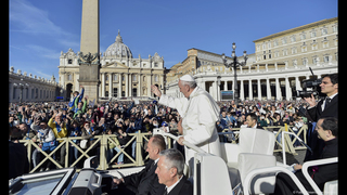 Pope says he is pained by murder of innocents in Mosul