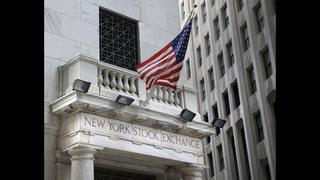US stocks slip; real estate falls and banks climb