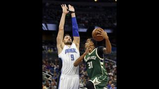 Magic pull away for win over Milwaukee