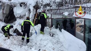 The Latest: 5 out of avalanche hotel; 5 others being saved